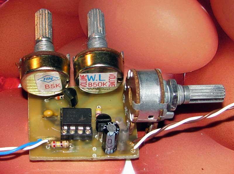 Импульсный генератор с регулировкой частоты и скважности