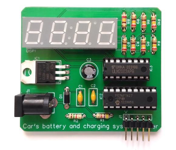 Собранная плата устройства контроля напряжения автомобильного аккумулятора.